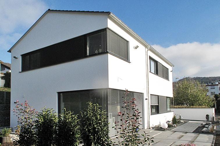 Wohnhaus in Baulücke